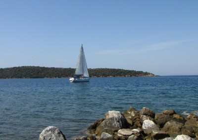 Sailing boat and Alatas Island
